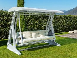 Hawaii Swing in White with Beige Cushions